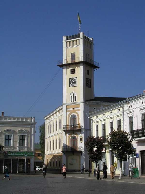 City Hall in Kolomyja (1880) -…