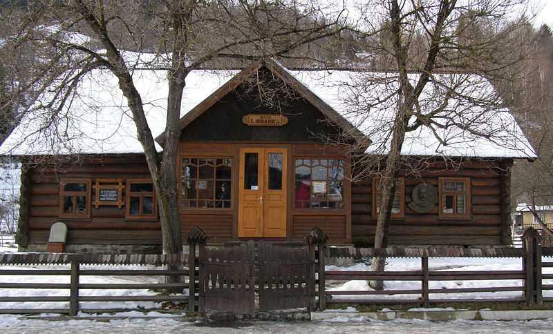 У селі Криворівня (нині Верховинського району Івано-Франківської області) Іван Франко проводив літній відпочинок у 1901 – 1914 роках.