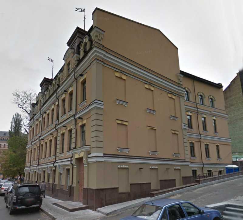 Під час свого приїзду до Києва у квітні 1909 р. І. Франко відвідав родича своєї дружини Віктора Ігнатовича, який мешкав у будинку по Несторовському провулку, 8.