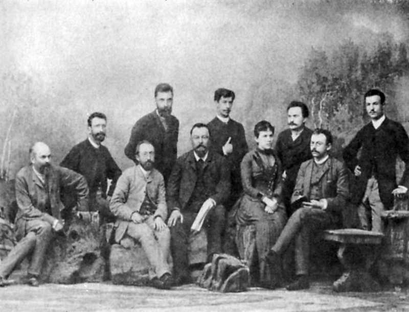 Иван Франко среди членов редакции…